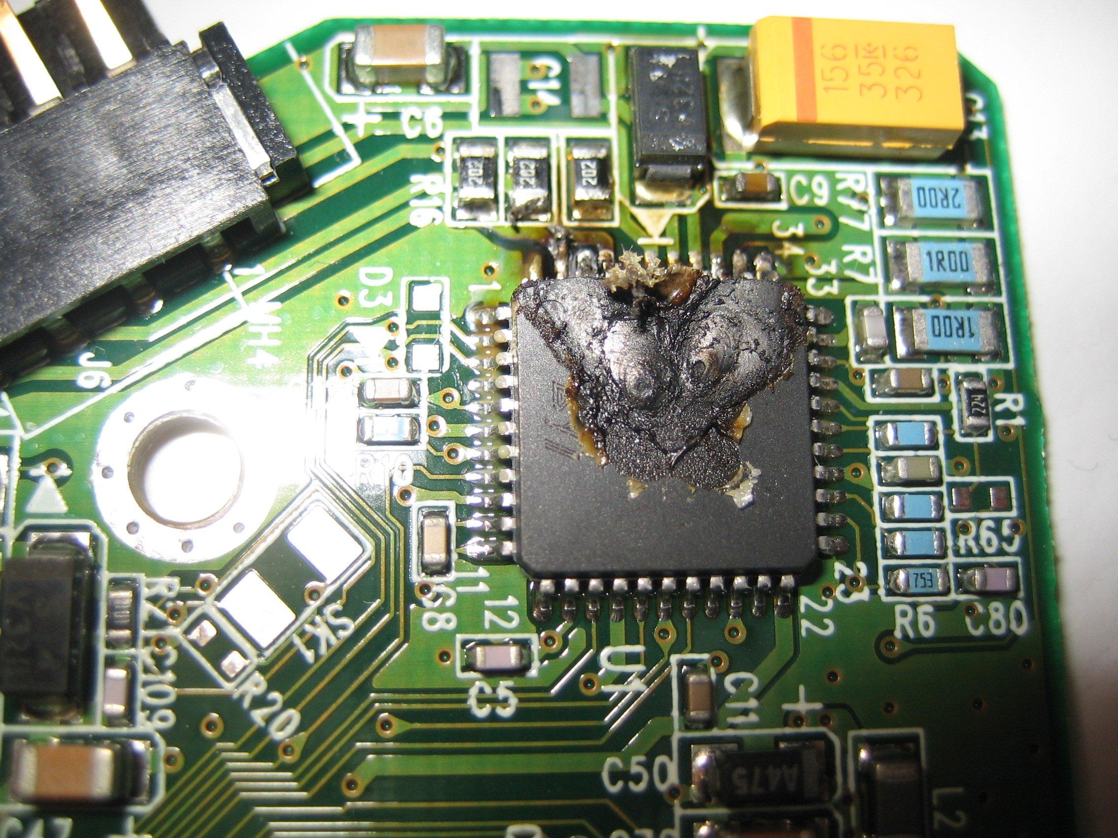 Por que no funciona el cambio de placa en los discos duros actuales?